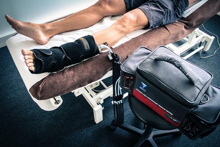 Traitement des douleurs par la cryogénie compressive